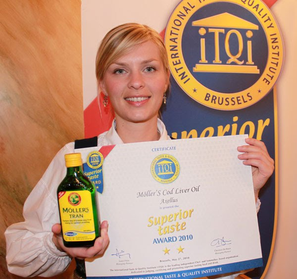 Caroline with Möller's Cod Liver Oil Natural and iTQi awards